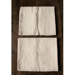 Paire Serviettes de table anciennes lin blanc Monogrammes G D