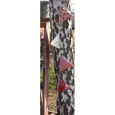 Guirlande 6 Fanions | Carreaux Vichy Toile Matelas Liberty rouge beige + Dentelle | Création champêtre